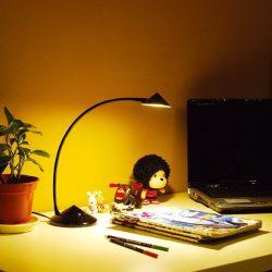 LANDLITE TLE-5014C 6W melegfehér(3000K) fényerőszabályozós LED asztali lámpa fekete színben